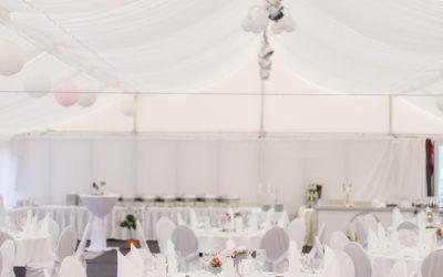Die Sitzordnung zur Hochzeit. Eure Hochzeitsplaner in Wittenberg geben euch Tipps zum Tischplan
